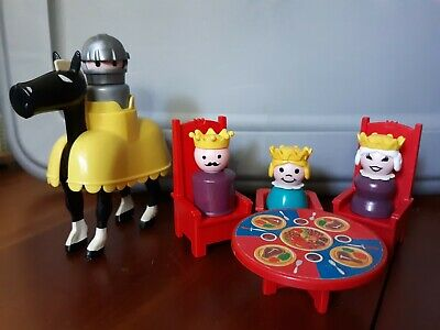 VINTAGE Fisher Price Little People Castle #993 Blonde Princess Horse Queen King