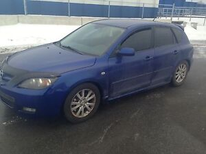 2007 Mazda3.  Lowered. Safety. Etest. Brand new clutch
