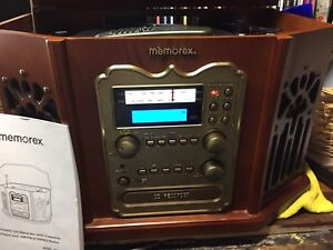 Combination radio/stereo/cd record player