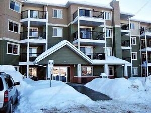 BEAUTIFUL 2-BDRM CONDO WITH HEATED PARKING IN GLASTONBURY
