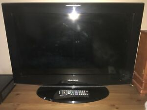 Samsung tv with remote 26 inch