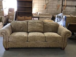 Lazy Boy Buy or Sell a Couch or Futon in Calgary Kijiji