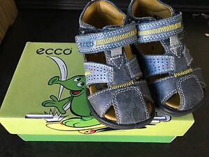 Baby/toddler boy Ecco leather sandals - size 5