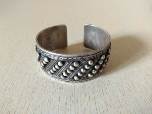 Moroccan Silver Berber Bracelet with Granulats