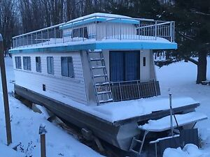 Maison flottante ponton