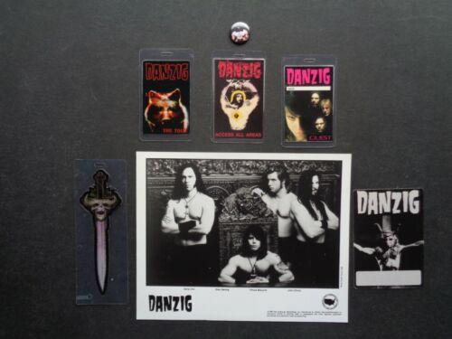 """DANZIG,Promo photo,5 VERY RARE """"OTTO"""" Backstage passes,steel pin/button"""