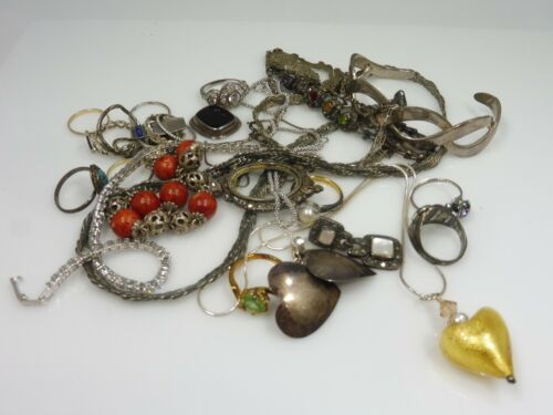 MIXED LOT OF STERLING SILVER JEWELRY AND OTHER ODDITIES 4.83 TROY OUNCES