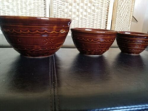 "Vintage Marcrest Daisy-Dot Ovenproof Stoneware Mixing Bowls 8"", 6"" & 5"" Lot of 3"