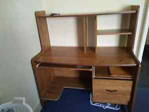 Free desk in good condition! Highgate Hill Brisbane South West Preview