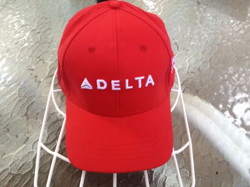 "DELTA ""HABITAT FOR HUMANITY"" BASEBALL CAP - NEW"