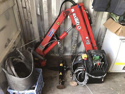 Maxilift hydraulic crane