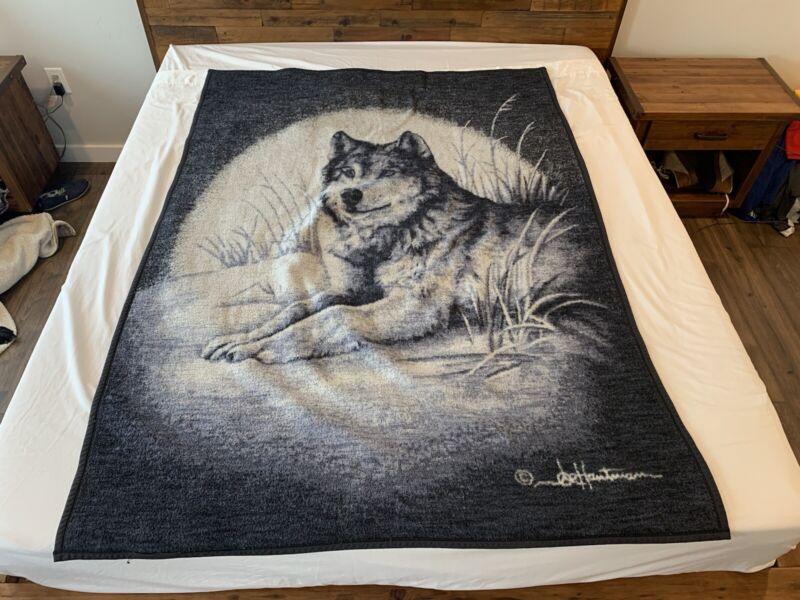 "San Marcos Style Wolf Blanket 54"" x 76"""