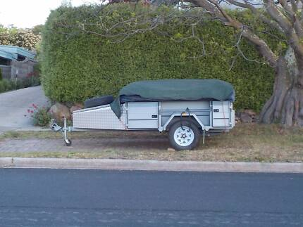 Johnnos Camper Trailer