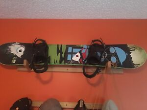 Snowboard with or without bindings
