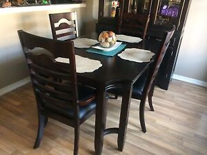 Solid Wood Dining Table with Buffet & Hutch includes 4 Chairs