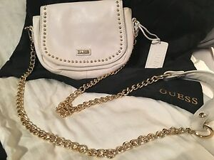 Brand new and AUTHENTIC Guess purse.