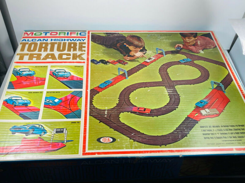 Vintage COMPLETE 1965 Ideal Motorific Torture Track w/ SIX 6 Cars!!! & Box