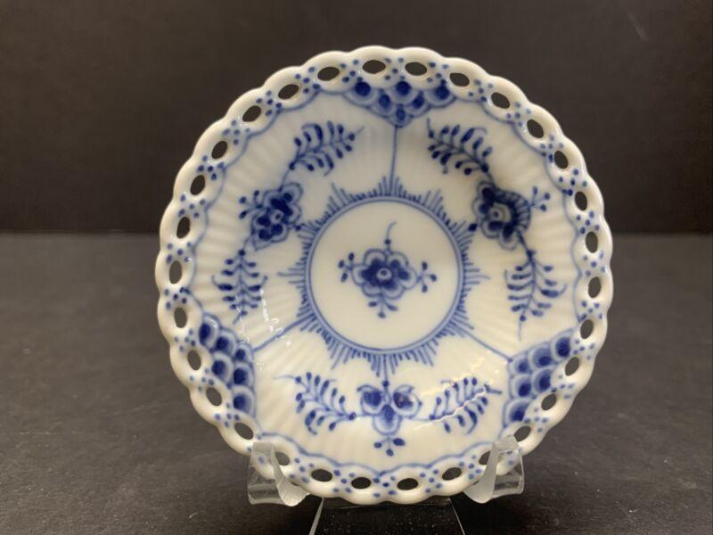 VTG Royal Copenhagen Blue Fluted Full Lace Butter Pat Dish 1/1004 1ST QUALITY