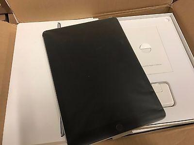 Apple iPad Pro 128GB, Wi-Fi, 9.7in - Space Gray