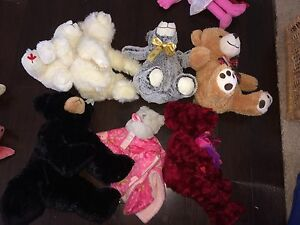 Lot of 7 random bears