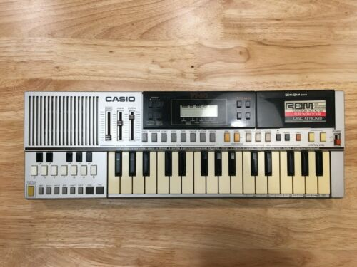 Vintage Casio PT-50 Keyboard. W/ rom pack. Retro early Casio sounds - Monophonic