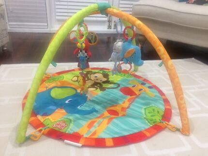 Baby playmat / gym with toys