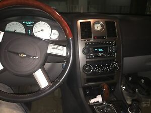 2006 Chrysler 300limited-mint condition (silver)
