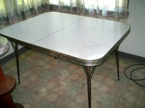 RETRO MID CENTURY CHROME FORMICA  WHITE KITCHEN TABLE NO CHAIRS