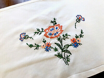 VINTAGE HAND EMBROIDERED Off White LINEN TABLE CENTRE / TRAY CLOTH 20x14 Inches