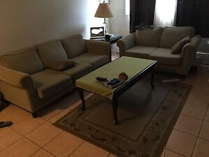 Couch set + coffee table + side table