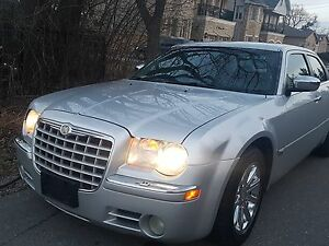 2005 Chrysler 300 300C HEMI FULLY LOADED AS IS $2975