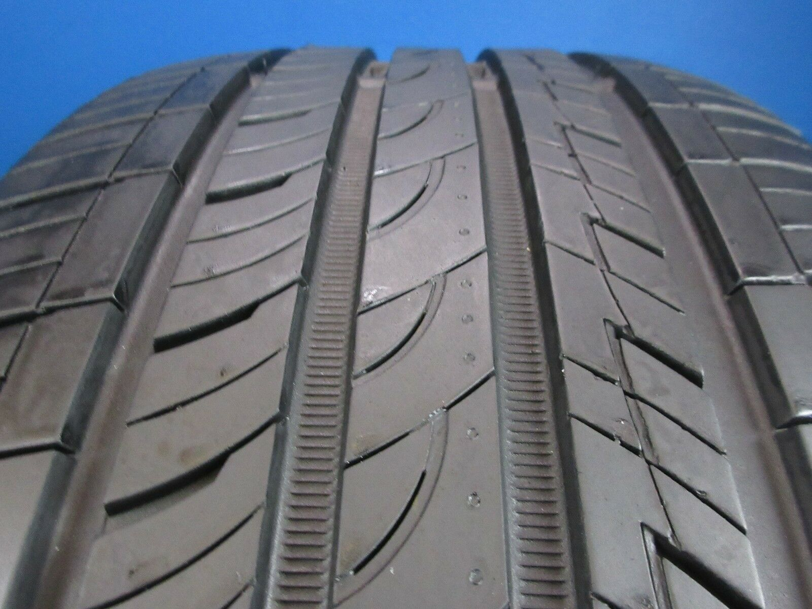 Used Nexen N5000 Plus   245 40ZR 19   7-8/32 Tread  No Patch   1729E