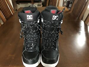 DC Snowboard boots size US 9