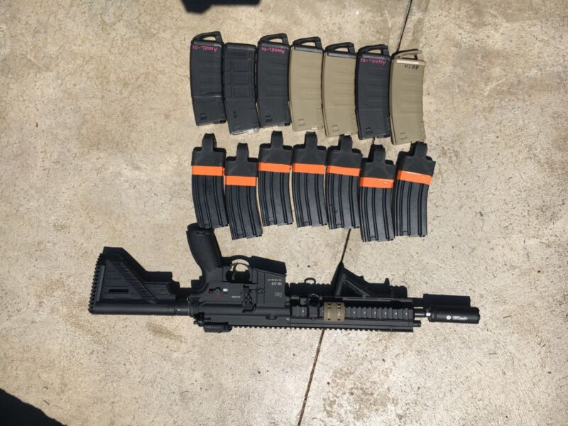 airsoft vfc 416, tracer unit and comes with 14 mags works perfectly