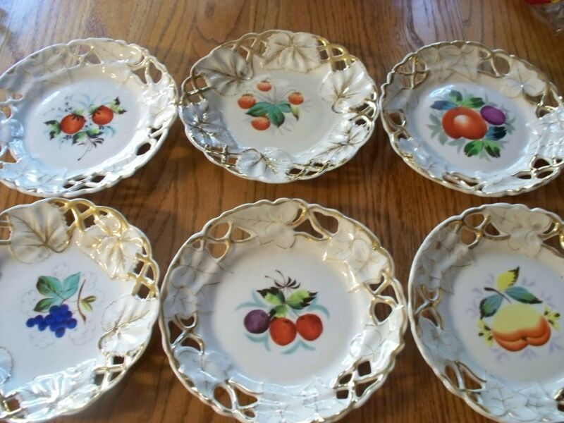 BEAUTIFUL 11 Count of Fruit Plates with Gold Trim - Lace Scallop Style Edges