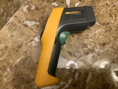 Fluke 561 Infrared And Contact Thermometer -40-1022f 121 Ratio Pre-owned