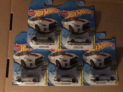 2020 Hot Wheels '17 NISSAN GT-R R35 50th Anniversary Lot of 5 FIVE Cars White