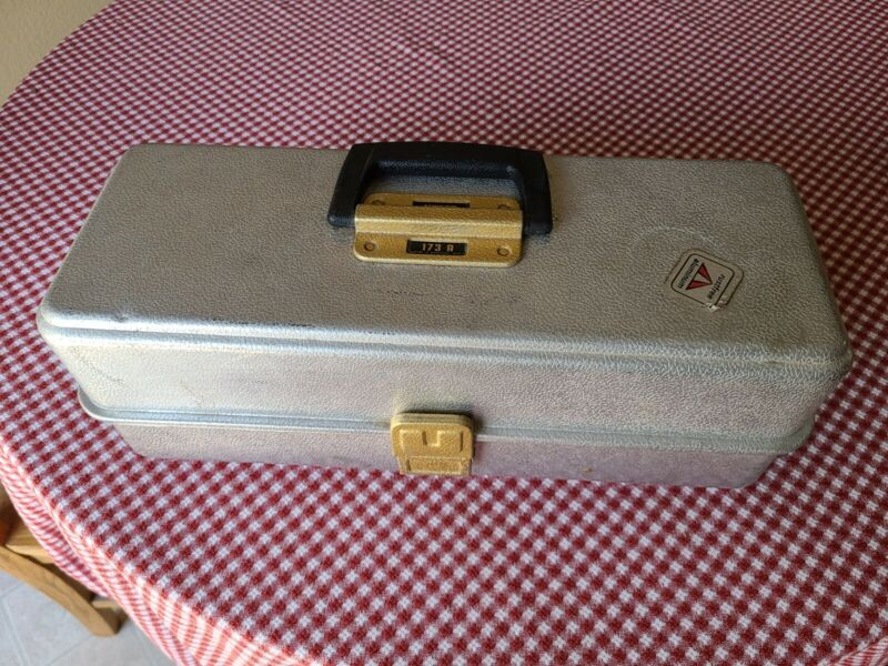 Vintage Umco Aluminum Tackle Box Model 173 A