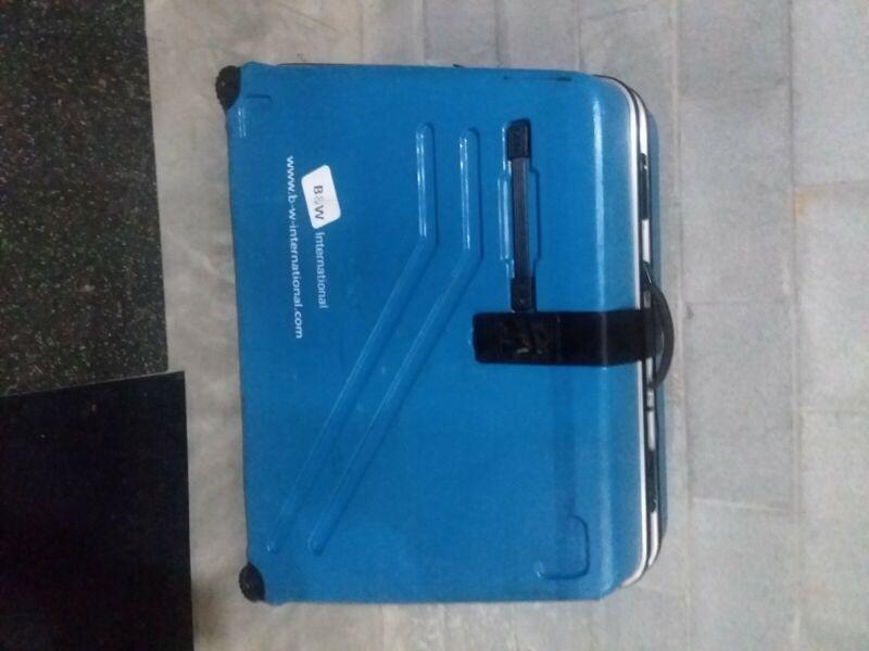 B&W bicycle travel hard case-blue, foam inside, integrated locks with key