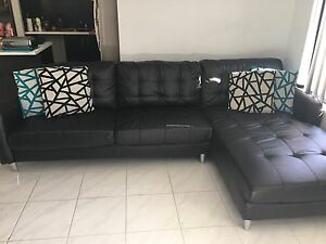 Chaise Lounge and Two Seater Sofa Lakelands Mandurah Area Preview