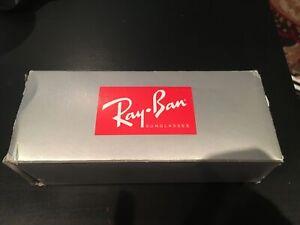 Round gold Ray Ban