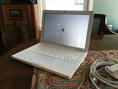 "Apple A1181 MacBook 13.3"" Laptop Core 2 Duo 2.0GHz 2GB RAM 160GB HDD OSX 10.7"