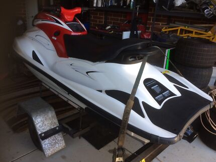 2013 1 hr use jetski  need gone !!