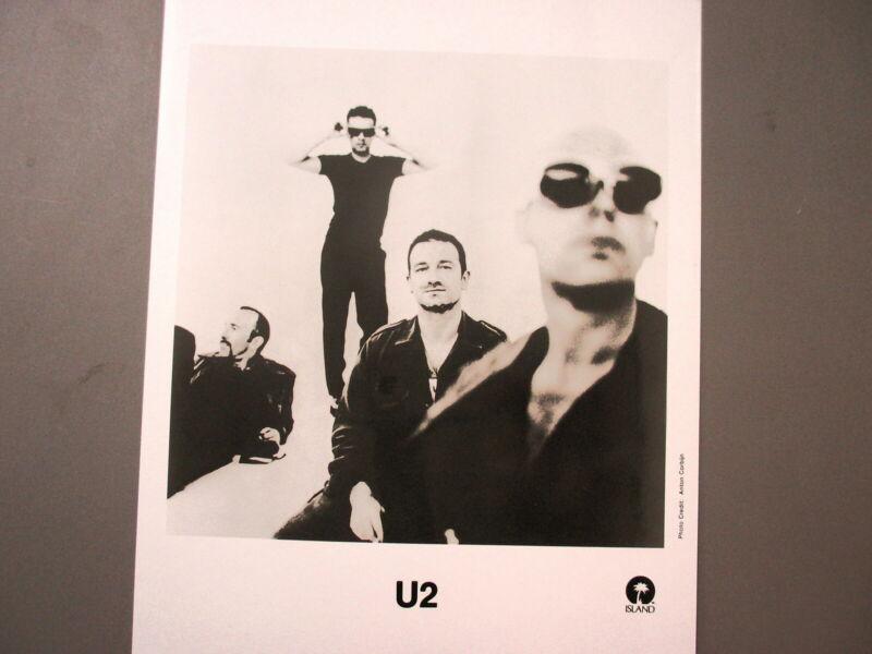U2 promo photo 8 X 10 glossy black & white no background !