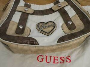 GUESS BRAND NEW BAG NEVER BEEN USED