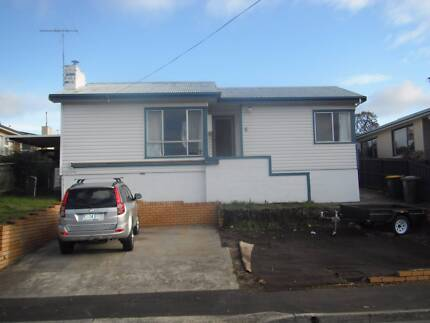 West Moonah Sunny, 3 br House -Views, Strawberry Farm