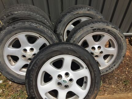 Landrover discovery 2 hse 18 inch rims and tyres