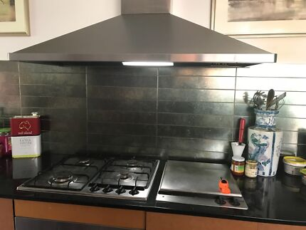 Range hood, oven and cooktop Hackett North Canberra Preview