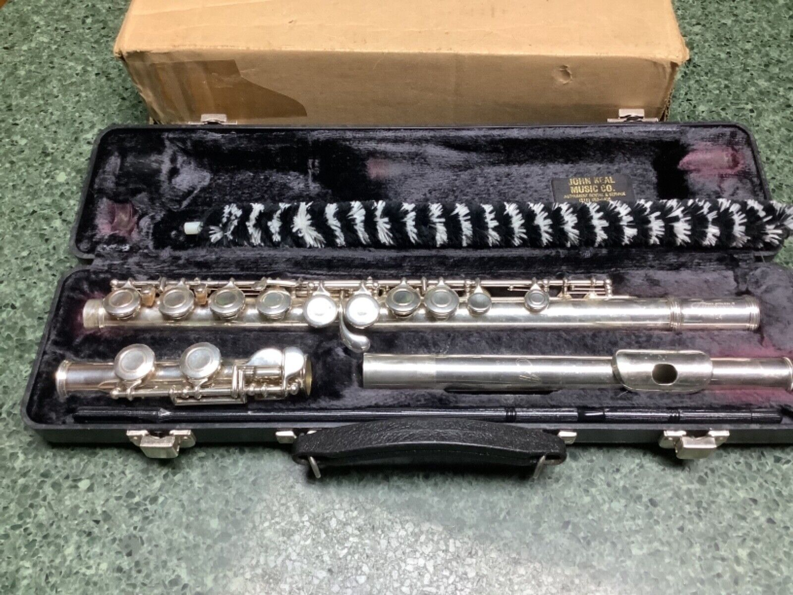 Armstrong 104 USA 7268969 Flute W Hard Case Cleaning Rod Silver Plated - $30.00