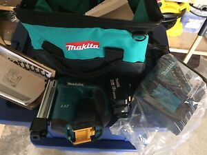 Brand New Makita 18v Cordless Stapler with battery and charger